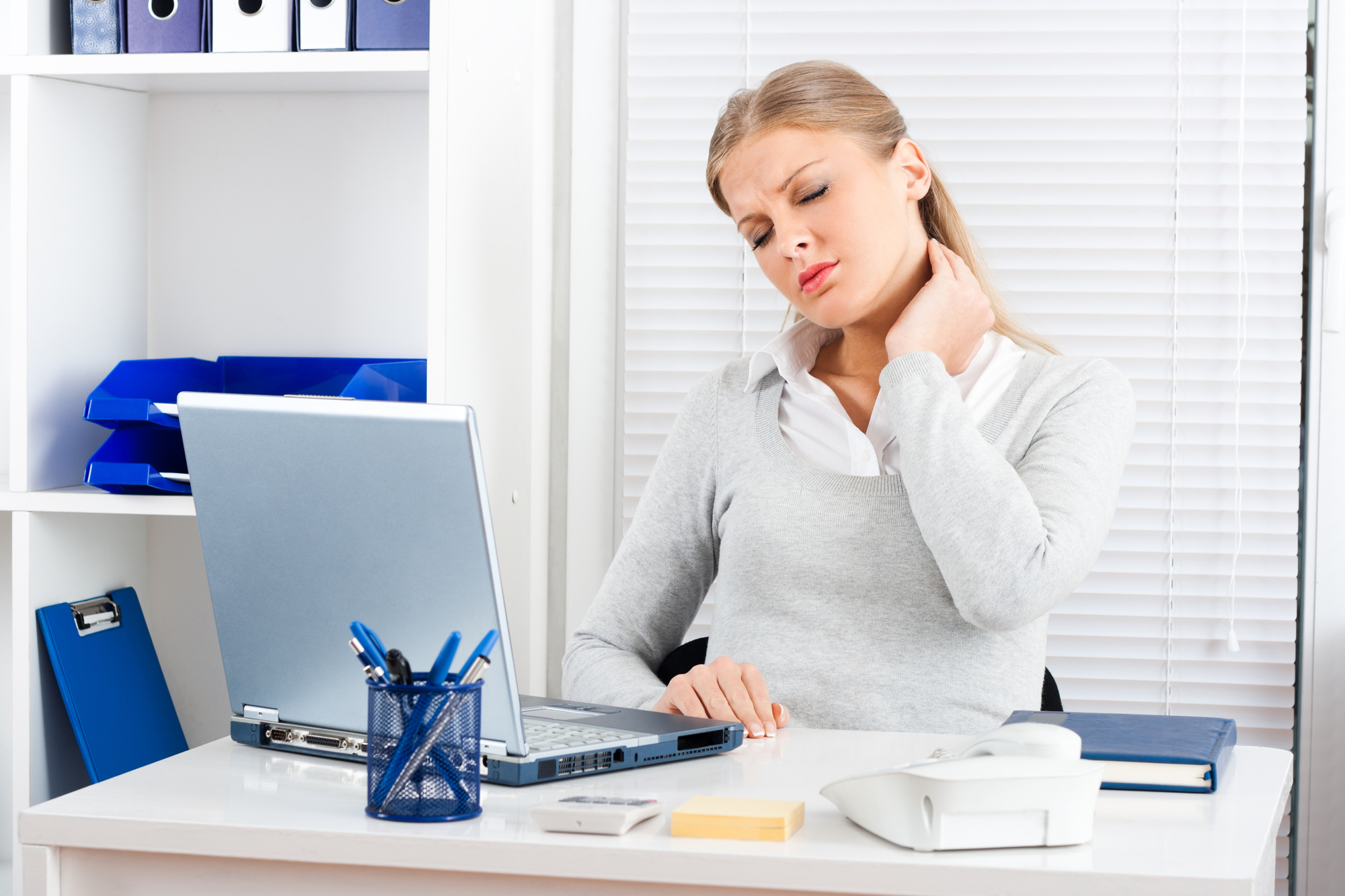 The Top 8 Things You Can Do To Banish Pain At Your Work Desk